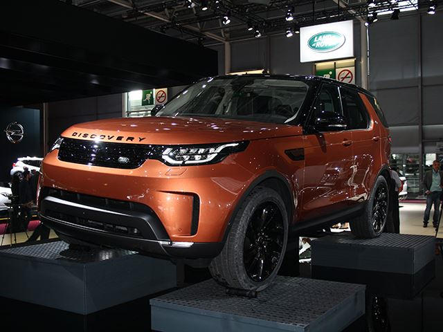 2018 Land Rover Discovery First Look Review: Proof You Don't Need A