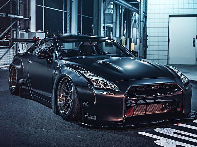 Tow Truck Driver Steals Nissan Gt R For Day Long Joyride