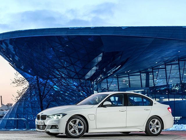Bmw Will Transform Lineup To Sell Over 100 000 Evs By Next Year