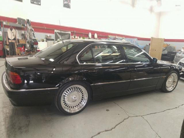 someone is selling the bmw 750il tupac was killed in carbuzz. Black Bedroom Furniture Sets. Home Design Ideas