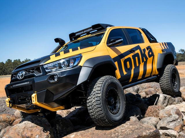 this toyota hilux tonka concept is the off road adult toy carbuzz. Black Bedroom Furniture Sets. Home Design Ideas