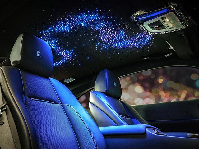 unique rolls royce wraith features over 800 stars in the headline carbuzz. Black Bedroom Furniture Sets. Home Design Ideas