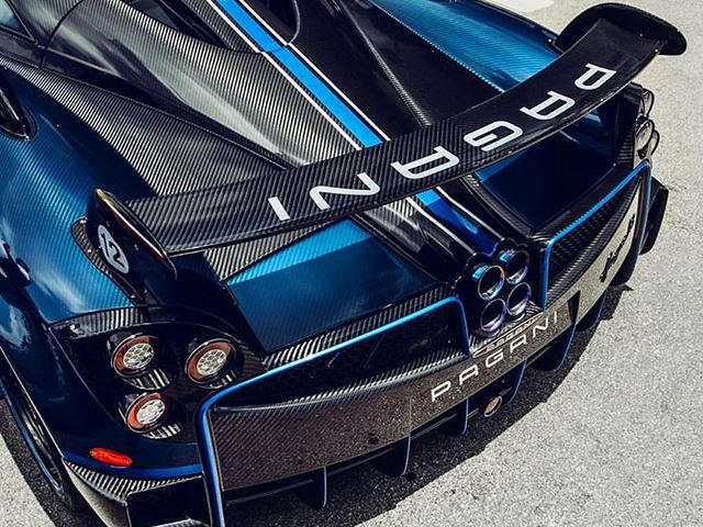 One Off Pagani Huayra Bc Looks Striking In Blue Carbon Carbuzz