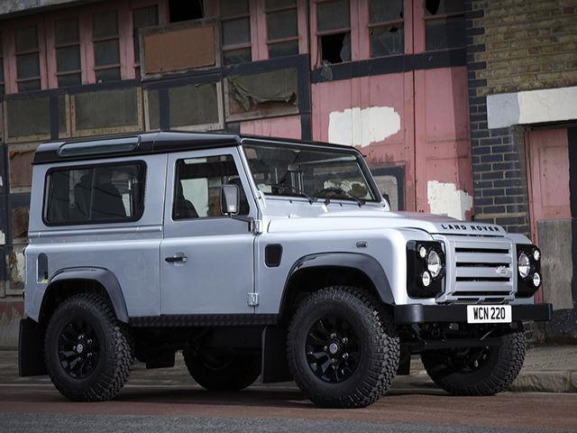 Modernized All Aluminum 2018 Land Rover Defender Is Right Around The