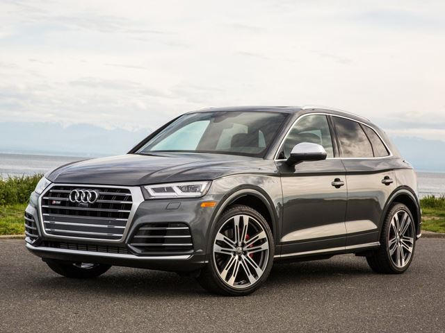 here 39 s how the audi rs q5 wants to crush the bmw x3 m carbuzz. Black Bedroom Furniture Sets. Home Design Ideas