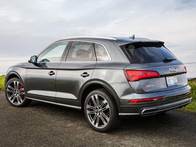 Audi Rs Q5 >> Here S How The Audi Rs Q5 Wants To Crush The Bmw X3 M Carbuzz