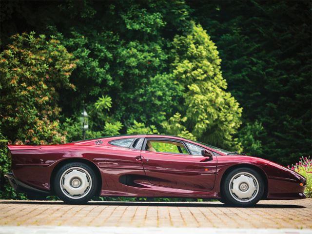 The Jaguar Xj220 Was The World S Fastest Road Car Until