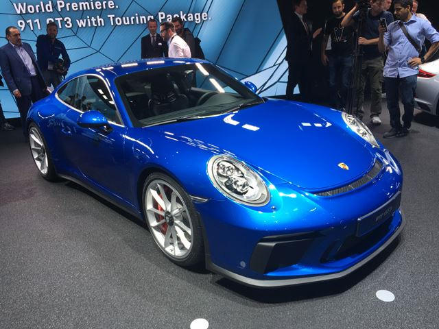 the porsche 911 gt3 touring package is the new purist porsche carbuzz. Black Bedroom Furniture Sets. Home Design Ideas