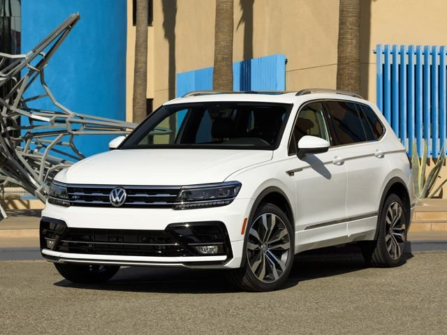 2018 volkswagen tiguan r line package gives suv new look carbuzz. Black Bedroom Furniture Sets. Home Design Ideas