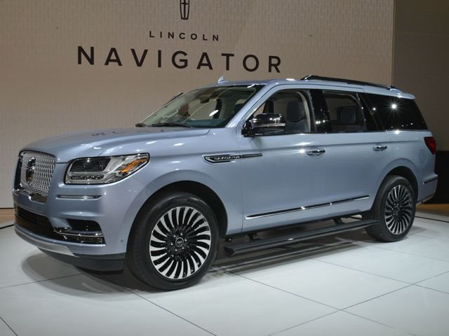 Here's Why Cadillac Fears The New Lincoln Navigator - CarBuzz