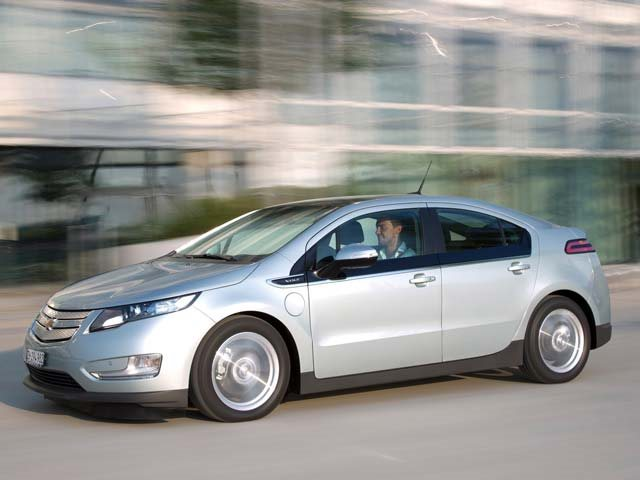 Chevrolet Voltopel Ampera Wins The 2012 Car Of The Year Award Carbuzz