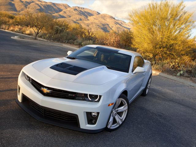 chevy camaro zl1 automatic faster than manual carbuzz rh carbuzz com manual or auto faster manual or auto faster