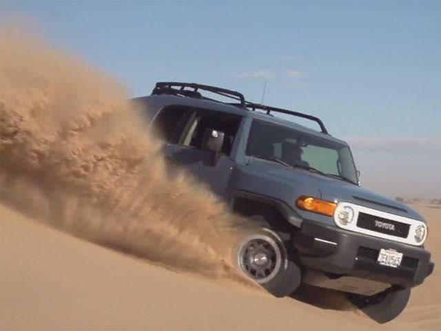 Off Road Wonders: Jeep Wrangler Unlimited Vs. Toyota FJ Cruiser ...