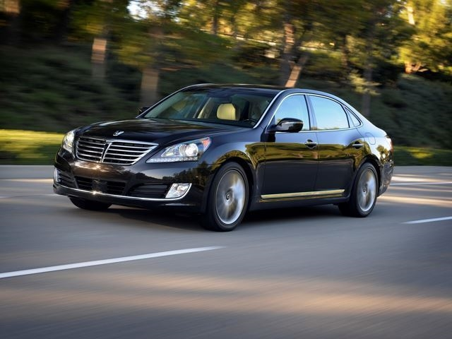 The Kia K900 And Hyundai Equus Are The Most Car You Can Get For