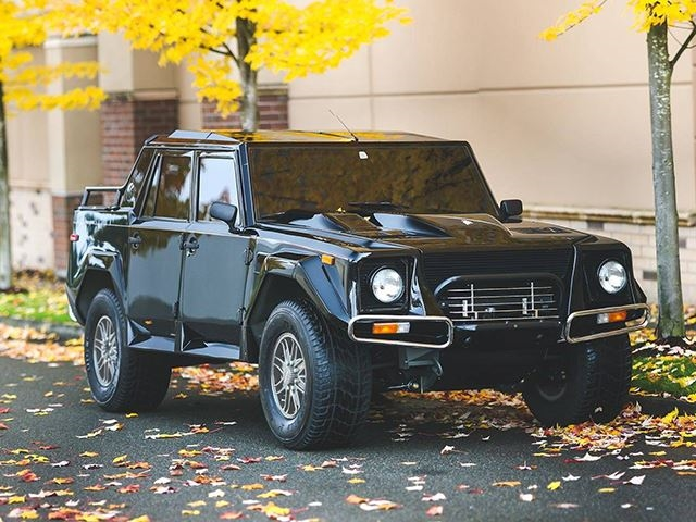 Rare Lamborghini Lm002 Sells For Staggering Amount At Auction Carbuzz