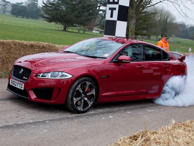 Jaguar Xfr S Dynamically Debuts Carbuzz